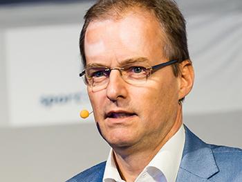 Dr. med. dent. Arnd Schmitt